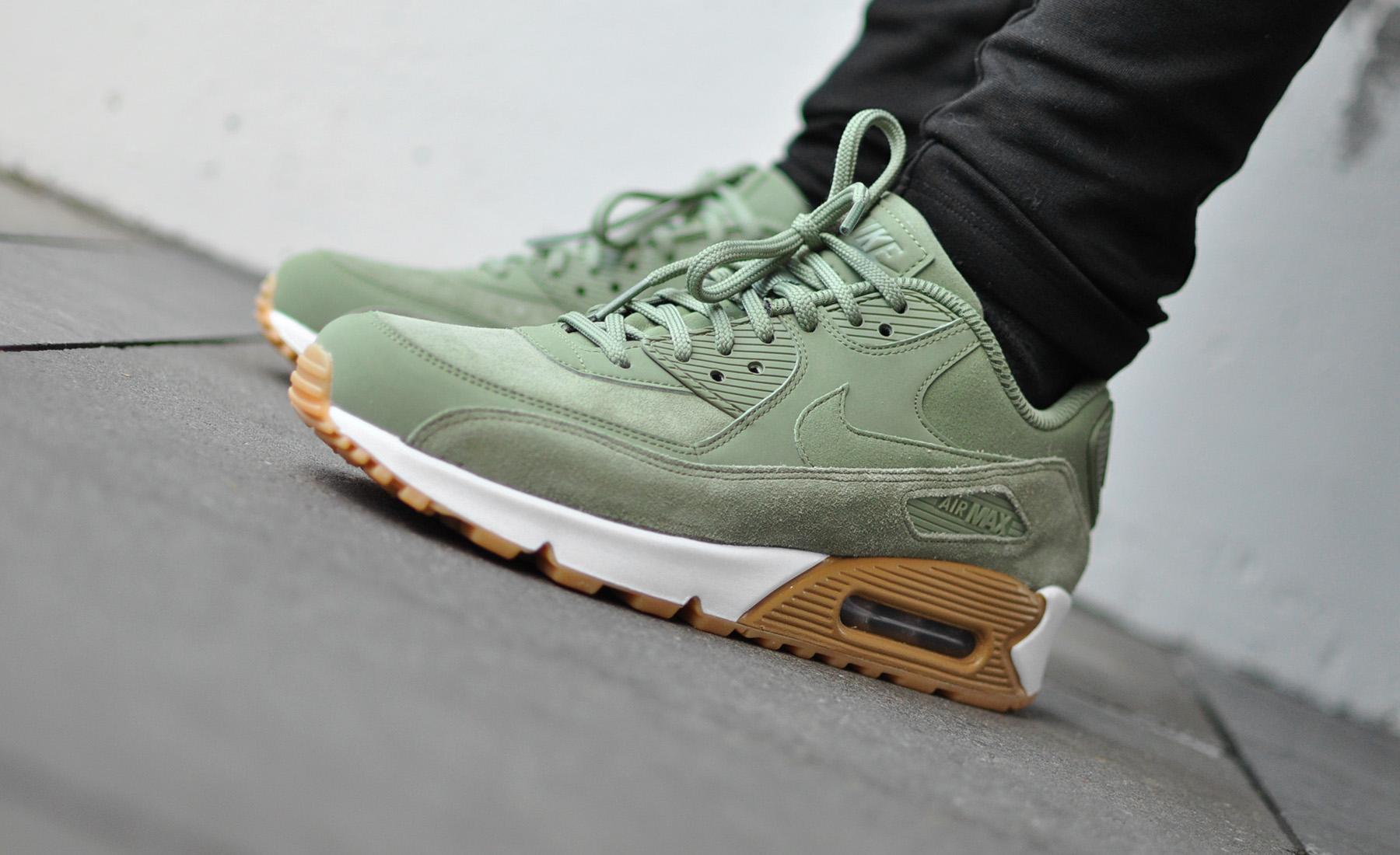 Nike Air Max 90 SE 881105 300 Sneakers Blog